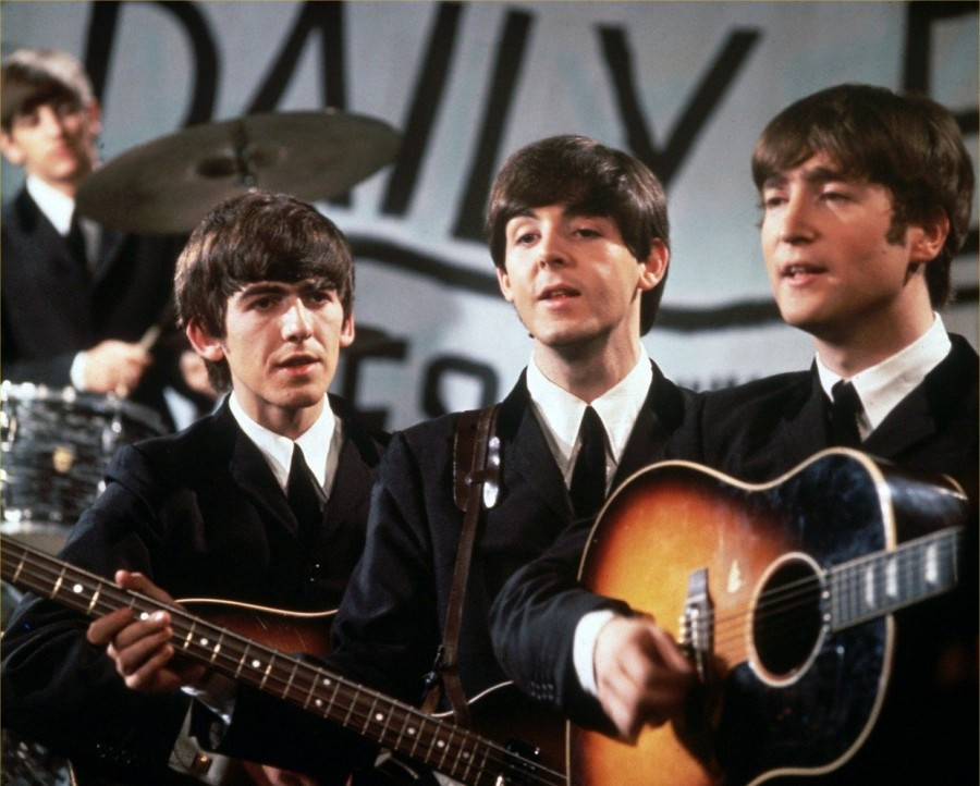 THE BEATLES 900x722