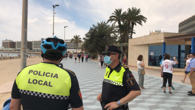 POLICIA LOCAL POSTIGUET ALICANTE PLAYA CORONAVIRUS 2020 JUNIO 09
