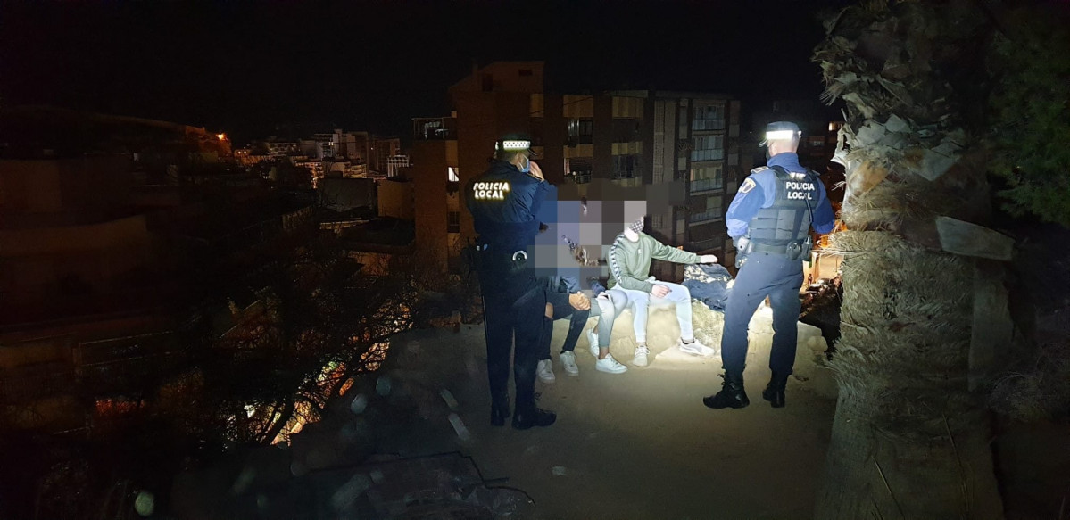 POLICIA LOCAL ALICANTE BOTELLON CASTILLO DE SAN FERNANDO 2020 NOVIEMBRE 21