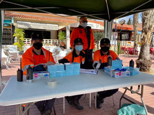 PROTECCION CIVIL CAMPELLO REPARTO DE MASCARILLAS PLAZA DON CARLOS 2021 ABRIL 19 AYUNTAMIENTO